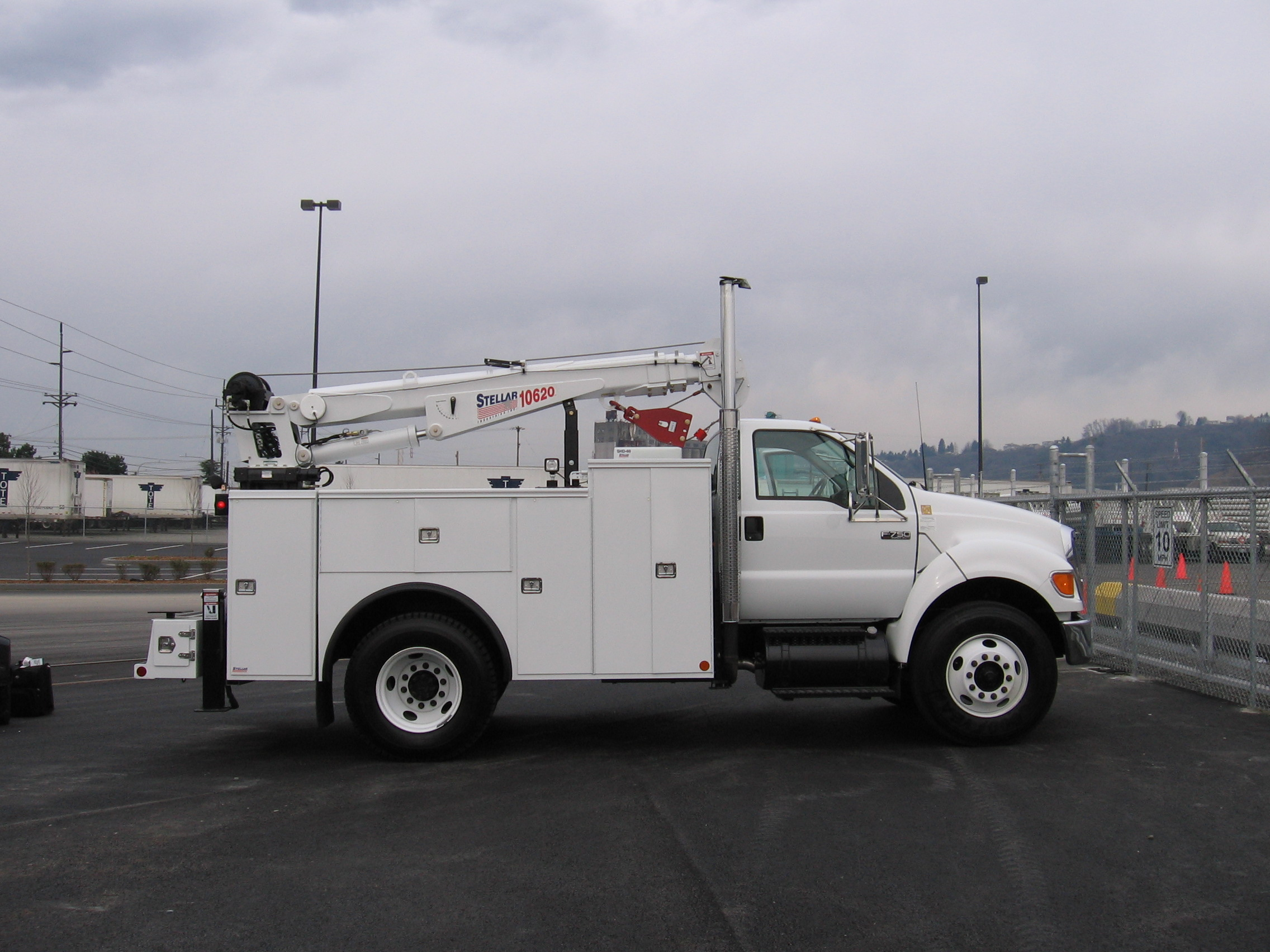 Service Body Tool Cabinet : Service trucks for tool storage commercial truck equipment