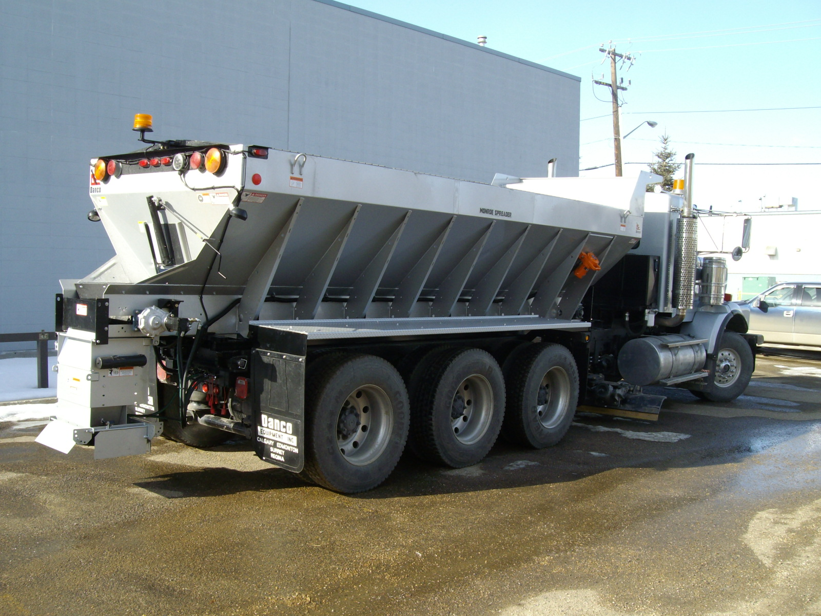 Monroe Truck Equipment >> Snow Plows And Salt Spreaders For Trucks Commercial Truck