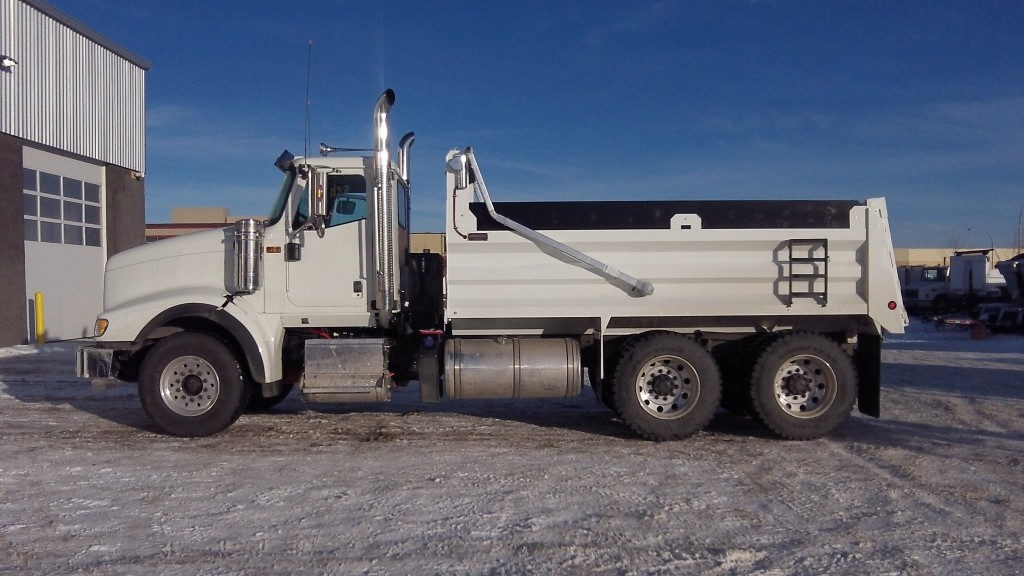 Renn 15′ Gravel Box on International 5900