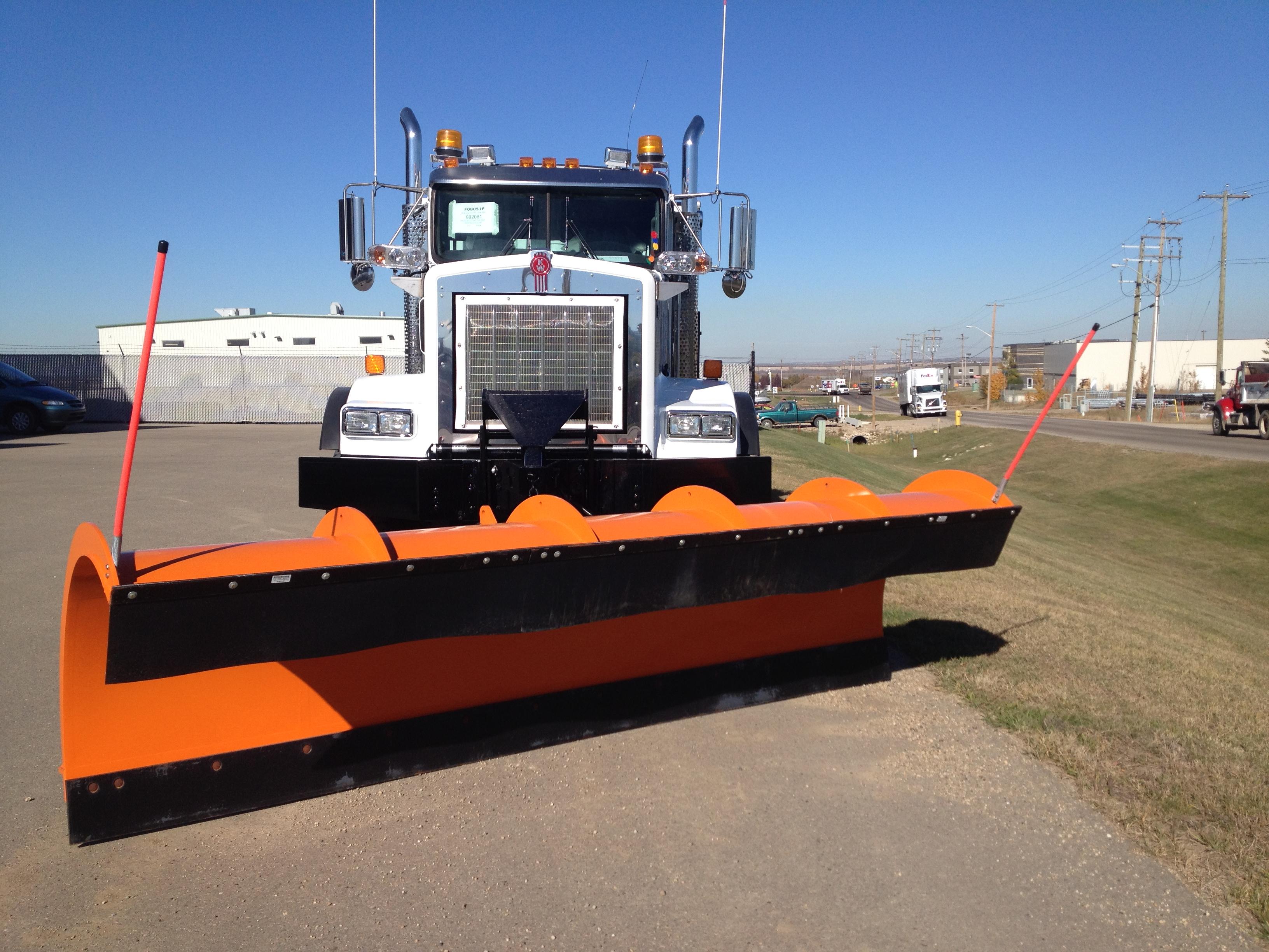 Monroe Truck Equipment >> Monroe Plow & Sander and Bibeau Dump Body on Kenworth T-800 - Commercial Truck Equipment