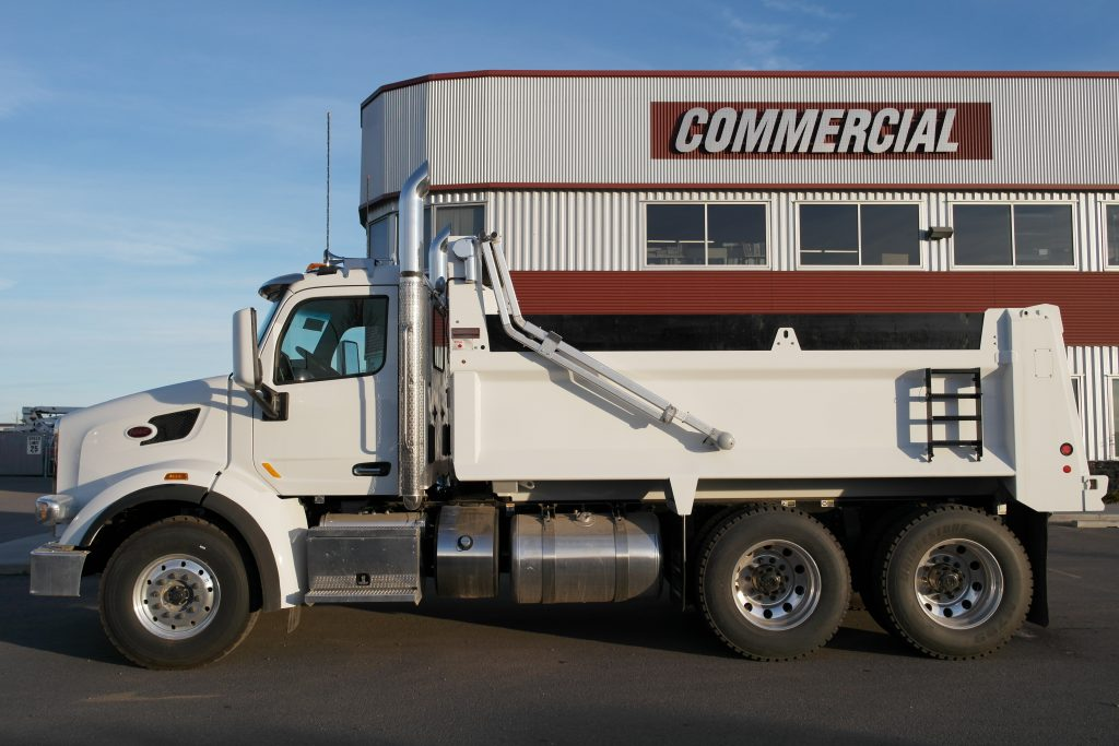 Bibeau 15′ HSSL Gravel Box on Peterbilt 567