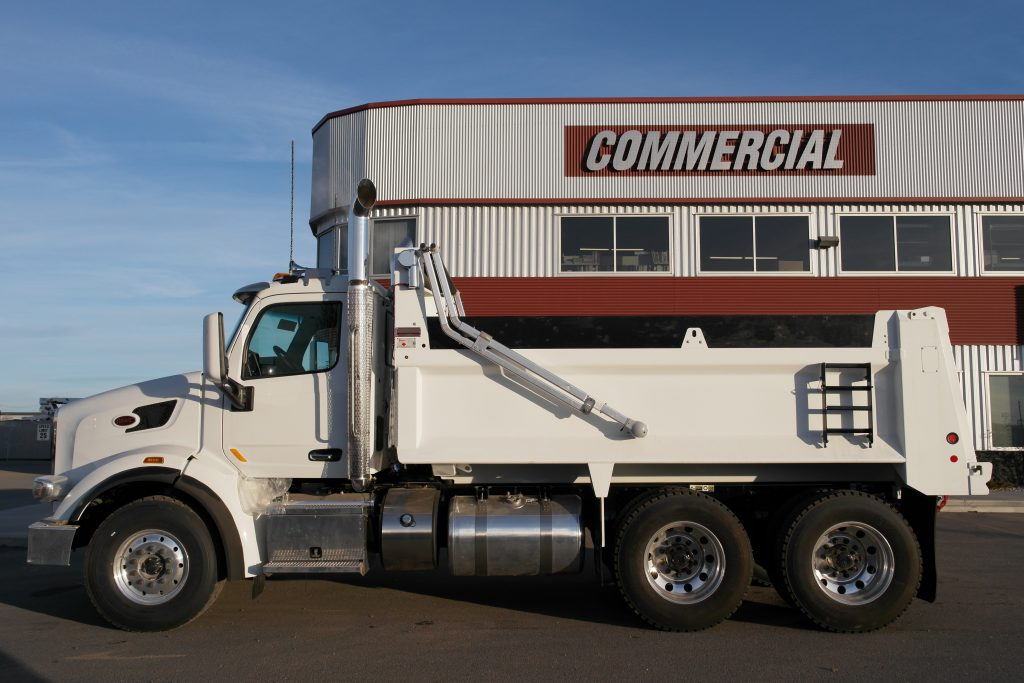 Bibeau 15′ Gravel Box on Peterbilt 567