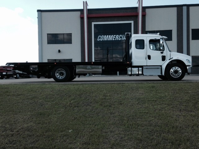 Century 16 Series 23′ LCG on Freightliner M2 106
