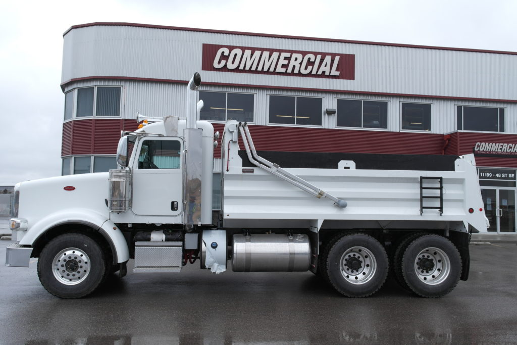 RENN 15′ HSSL Gravel Box on Peterbilt 367
