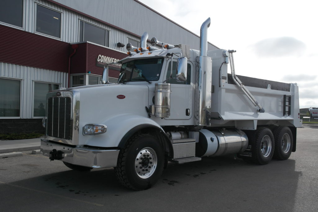 Bibeau 15′ Gravel Box on Peterbilt 367