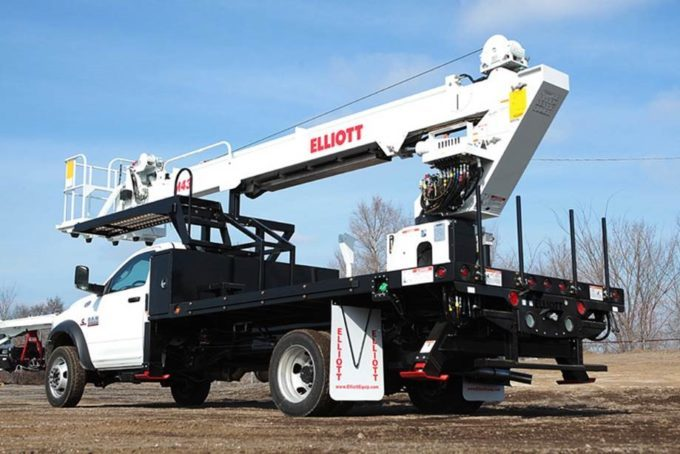 Elliott M43R Hi Reach on Ford F550