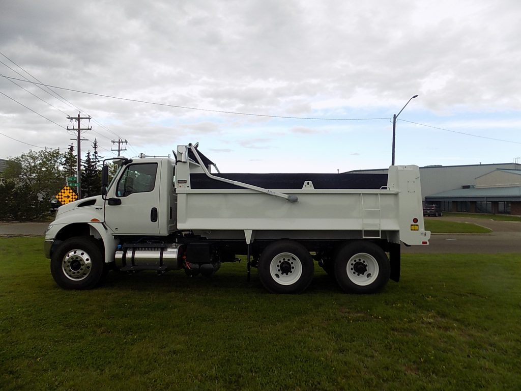 Bibeau 15′ Gravel Box on International HV607