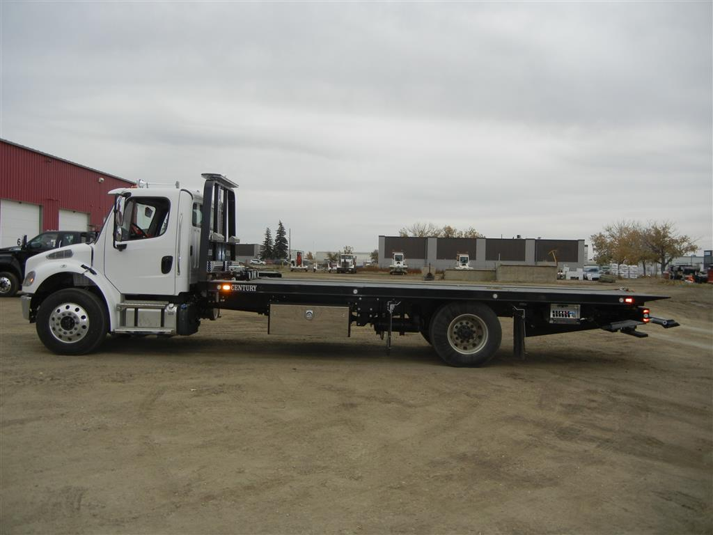 Century 22′ 12-Series Deck on Freightliner M2 106