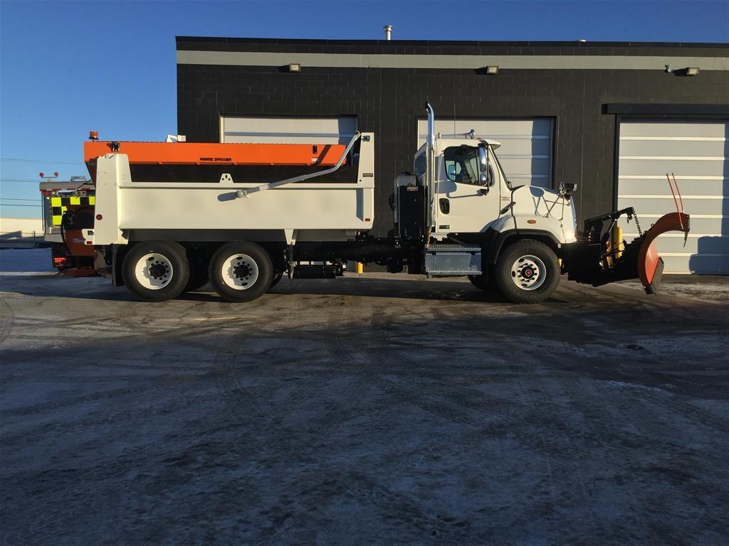 Monroe Snow & Ice Equipment/15′ Bibeau Gravel Box on Freightliner 108 SD