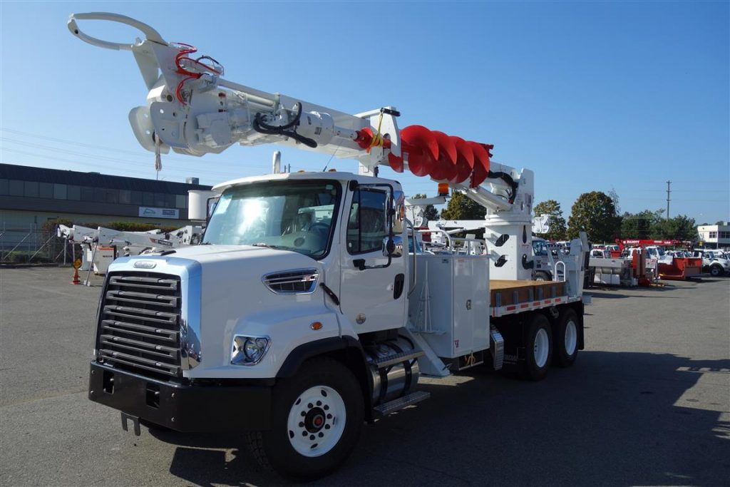 C6060 on 2020 Freightliner 108 SD